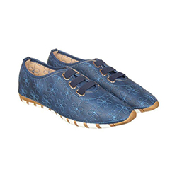 Flat & Casual Shoes