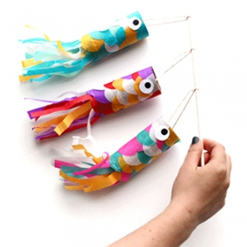 Toilet paper roll fishes