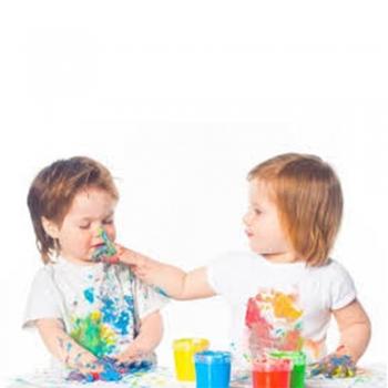 Kids play paint